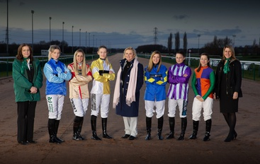 SOUTHWELL CELEBRATE INTERNATIONAL WOMEN'S DAY WITH ALL FEMALE RACECARD